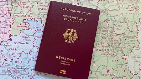 Passport applications for persons over the age of 18 - Federal Foreign Office